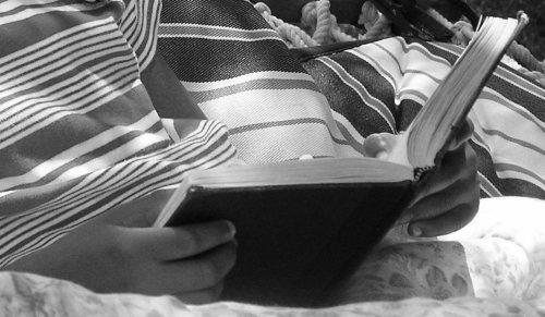 reading maketh a full man essay